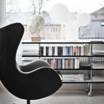 40-interiors-featuring-egg-chair-41