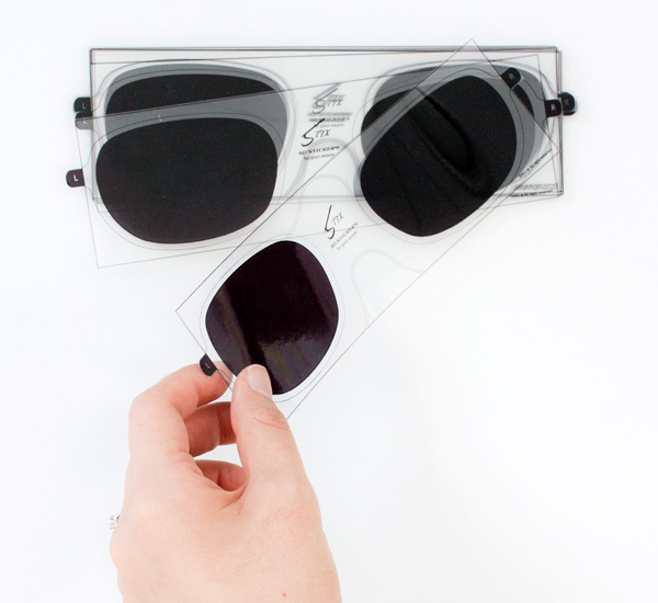49-Stix-–-3D-Vision-Sticker-for-Glasses-by-Lucy-Jung-Daejin-Ahn