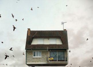 ภาพศิลปะบ้านบินได้