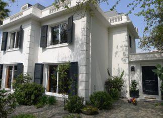 บ้านสีขาว2ชั้น