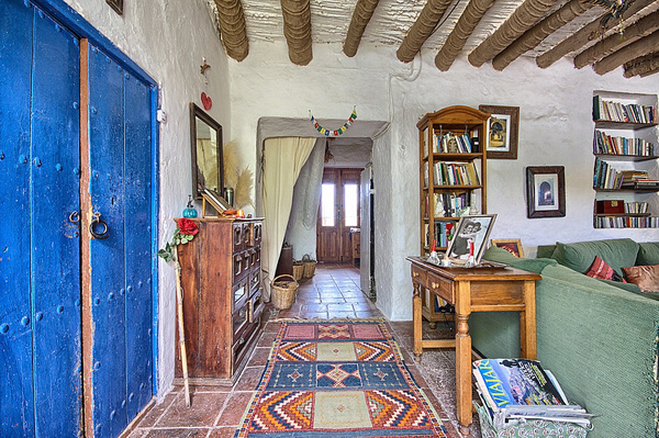 rustic-cottage-retreat-in-the-mountains-of-malaga-06