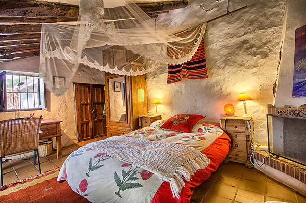 rustic-cottage-retreat-in-the-mountains-of-malaga-11