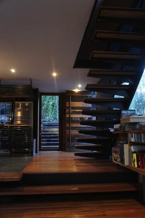 บ้านไม้2ชั้น ท่ามกลางป่าไม้ สำหรับคนรักธรรมชาติ