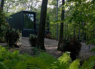 บ้านตู้คอนเทนเนอร์ 2 ชั้น กลางสวนป่าธรรมชาติ