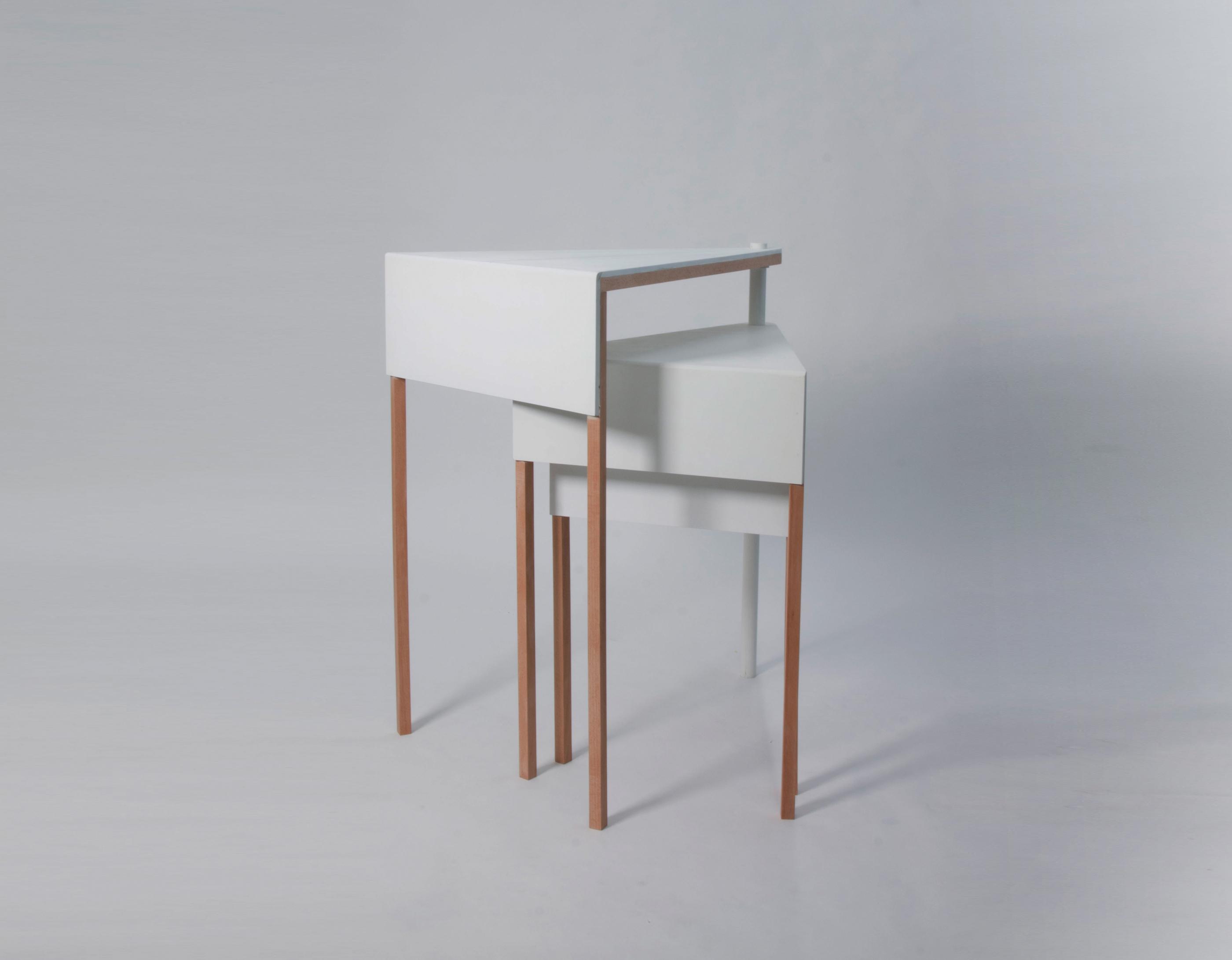 โต๊ะเอนกประสงค์ ช่วยประหยัดพื้นที่