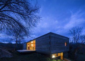 แบบบ้านไม้ ทรงกล่องสีเหลี่ยม ทันสมัย
