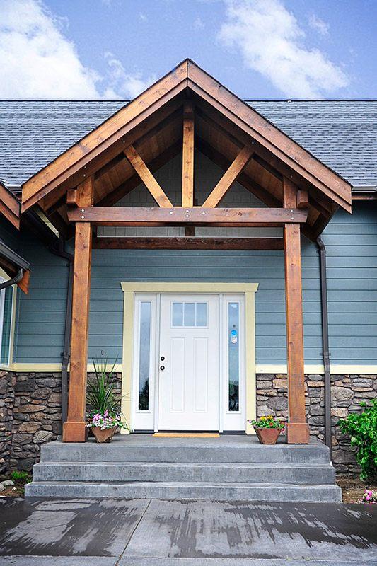 ซุ้มประตูทางเข้าบ้านไม้