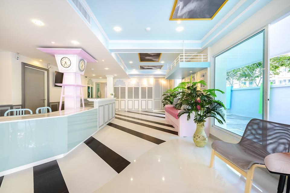 The Tint at Phuket Town โรงแรมสีสันสดใส ในเมืองภูเก็ต