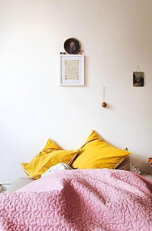 ไอเดียตกแต่งห้องนอน เตียงนอน โทนสีพาสเทล
