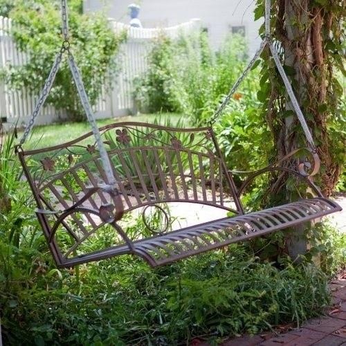ชิงช้า นั่งเล่น ในสวน ชิงช้าทำจากเหล็ก