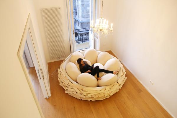 เตียงนอนรังนกยักษ์