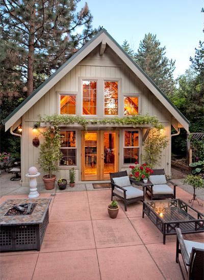 ไอเดียจัดสวนและทำพื้นที่นั่งเล่นนอกบ้าน (Outdoor Living)