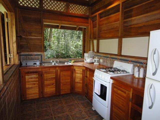 ห้องครัว บ้านไม้สไตล์รีสอร์ท