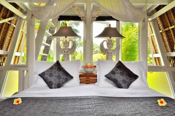 tiny-white-cottage-from-bali-indonesia-14