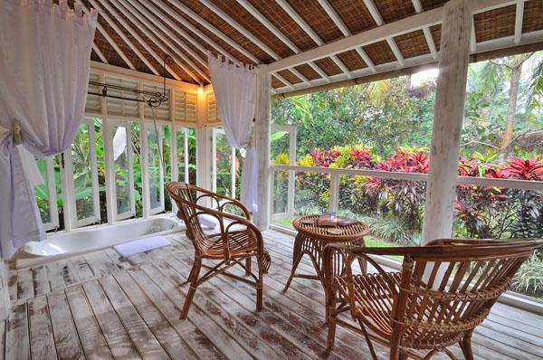 โต๊ะกาแฟ บ้านกระท่อมไม้