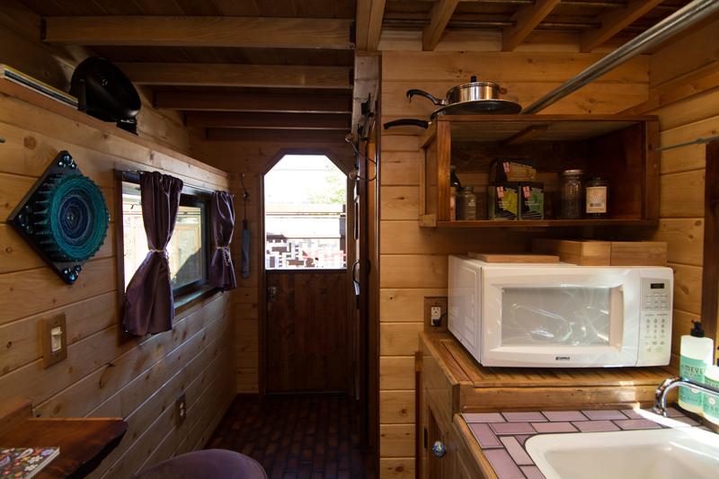 แบบบ้านไม้หลังเล็ก หลังคาโค้ง เคลื่อนที่ได้