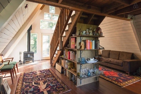 แบบบ้านไม้กระท่อม หลังเล็ก ทรงสามเหลี่ยม