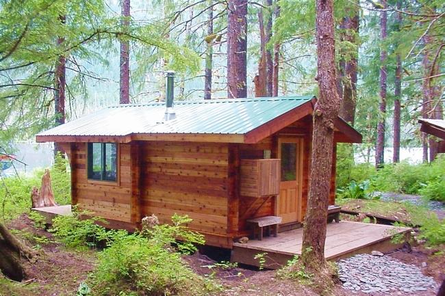 บ้านไม้ หลังเล็ก หลังใหญ่
