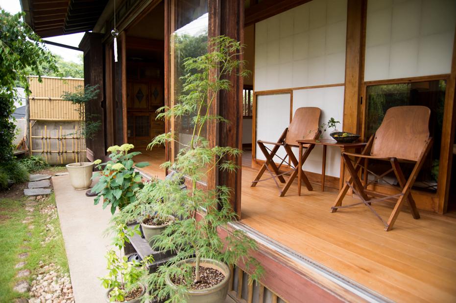 ไอเดียตกแต่งบ้าน แบบญี่ปุ่น มีระเบียงชมสวนหน้าบ้าน