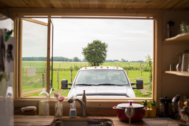 บ้านไม้หลังเล็ก เคลื่อนที่ได้ เพื่อท่องเที่ยวและเดินทาง