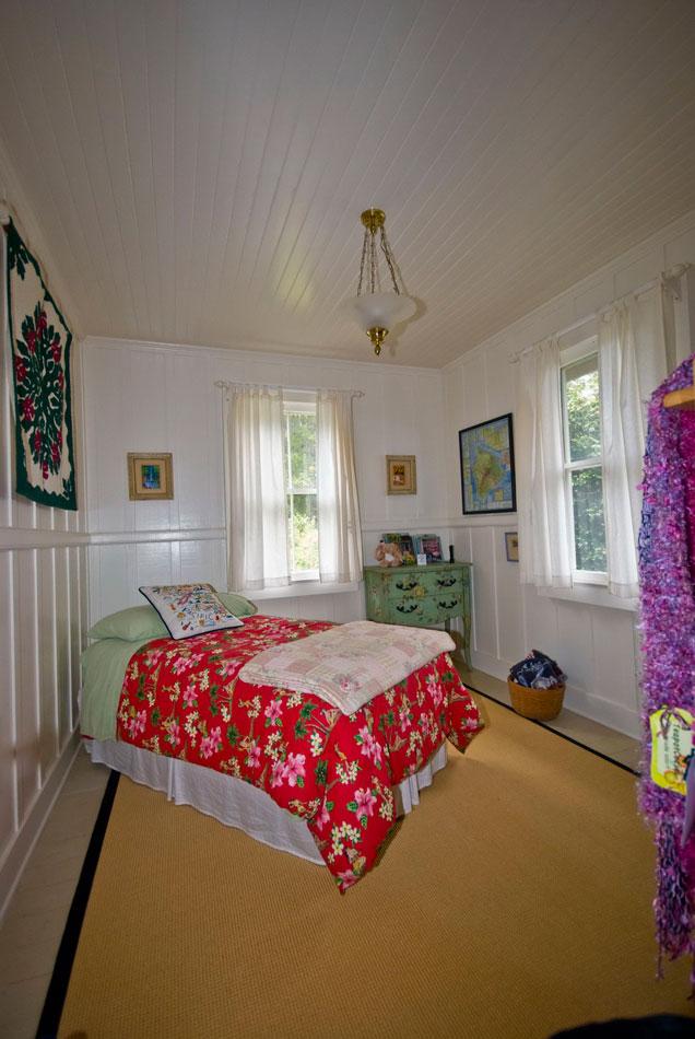 แบบบ้านสงบร่มรื่น มีสวนรอบบ้าน ภายในตกแต่งสไตล์วินเทจ