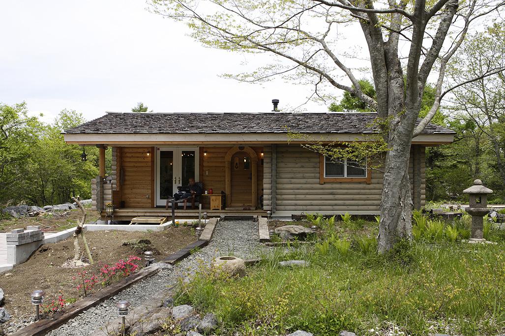 บ้านไม้ญี่ปุ่นชั้นเดียว หลังเล็ก มีพื้นที่ทำสวนรอบบ้าน