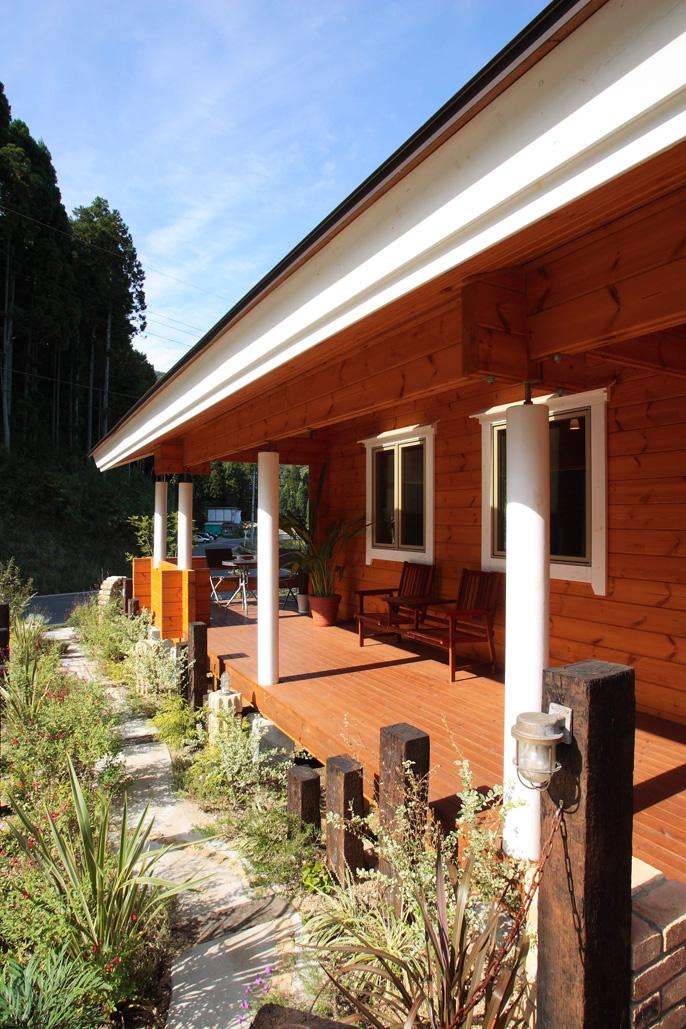 แบบบ้านไม้ญี่ปุ่น ชั้นเดียว มีระเบียงชมสวนสวยๆ หน้าบ้าน