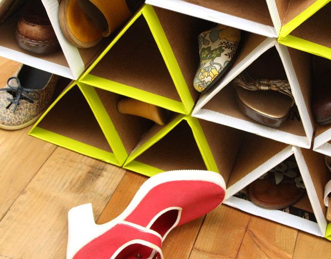 งาน DIY ที่เก็บรองเท้า จากกระดาษลัง