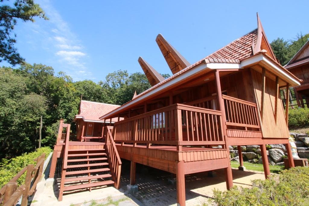 บ้านโบราณดั้งเดิม Traditional Houses ในประเทศอาเซียน