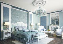 แบบห้องนอนสไตล์วิคตอเรียน โทนสีฟ้า หรูหราด้วยแชนเดอเลียร์