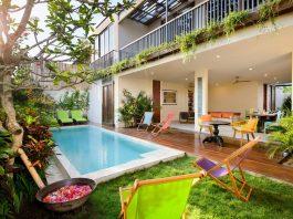 แบบบ้านโมเดิร์น มีสระว่ายน้ำเล็ก ๆ หน้าบ้าน พร้อมจัดปาร์ตี้