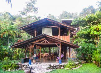 บ้านไม้กลางป่า เปิดโล่งรับอากาศธรรมชาติ บรรยากาศแห่งความสุข