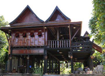 บ้านไม้ยกพื้นสูง แบบบ้านทรงไทยโบราณดั้งเดิม(ภาคใต้) ใช้วัสดุโบราณหายาก