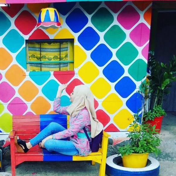 หมู่บ้านสีรุ้ง Kampung Pelangi, อินโดนีเซีย