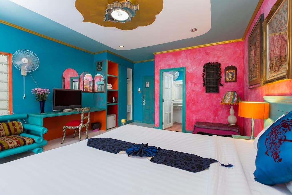 ห้องนอนตกแต่งสไตล์โบฮีเมี่ยน (Bohemian Room) สีสันสวยงาม เก๋ไก๋